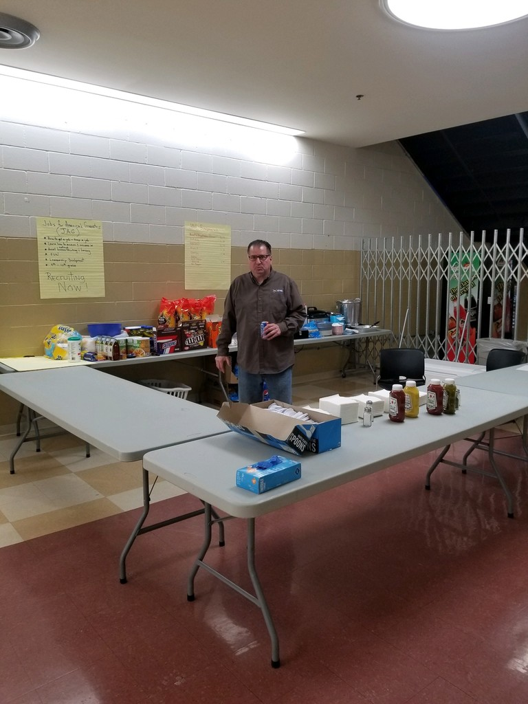 Mr. Ariza running concessions tonight for the White Eagle Club Powwow.